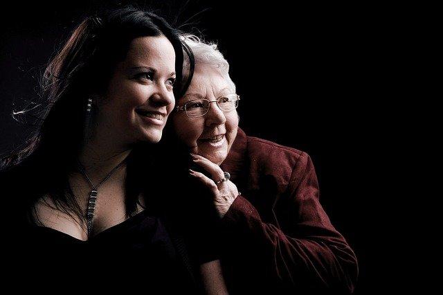 babička s vnučkou