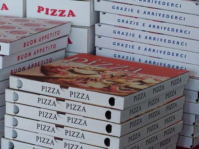 boxy na pizzu