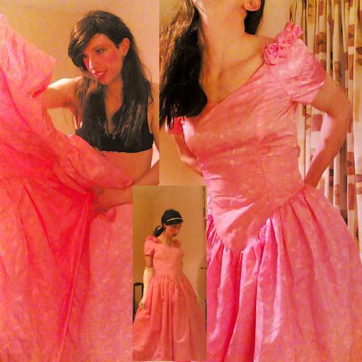 zkouška šatů na ples