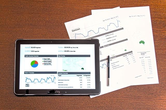 tablet a papírové grafy